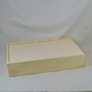 wooden 6 bottle box with sliding lid closed