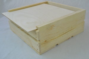 wooden crate 11x11x4 lid open