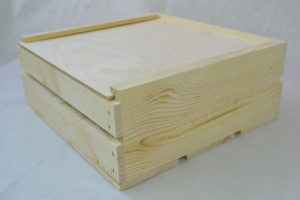 wooden crate 11x11x4 lid closed