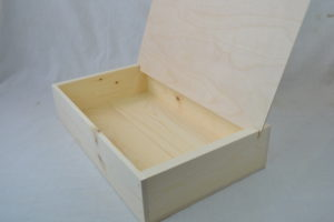 wholesale wooden reader board counter top shelf displsy side view